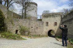 Soll wieder begehbar werden: Der Dicke Turm auf Burg Plesse.