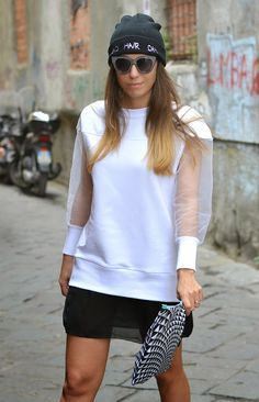 mini dress felpa bianco nero - streestyle - black and white - ootd - outfit - q61