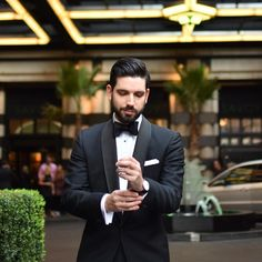 Suit and Tie Fixation - suitandtiefixation: Black tie at Suit Shirts, Modern Gentleman, Tuxedo For Men, Suit And Tie, Good Looking Men, Black Tie, Formal Wear, Mens Suits, Mens Fashion