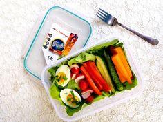 Nati jest fit!: 8 pomysłów na zdrowe drugie śniadanie do szkoły / pracy Healthy Food, Healthy Recipes, Fresh Rolls, Lunch Box, Chicken, Ethnic Recipes, Diet, Healthy Foods, Healthy Eating Facts