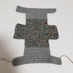 [공유] 코바늘 뜨기로 통통한 사각 파우치 만들기 : 네이버 블로그 Crochet Top, Crochet Bags, Textile Art, Crochet Projects, Diy And Crafts, Crochet Patterns, Textiles, My Favorite Things, Sewing