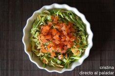 Espaguetis de calabacin con salmon marinado