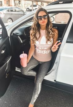 Athleisure Outfits You Can Wear Every Day And Get Away With Fitnees fashion – Top healthy fitness Leggings Outfit Fall, Legging Outfits, Athleisure Outfits, Yoga Outfits, Workout Outfits, Summer Outfits Women, Sport Outfits, Cute Outfits, Fall Outfits