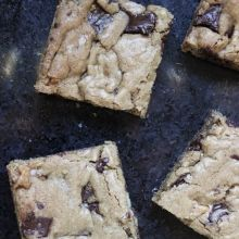 Theo Chocolate Chocolate Chunk Blondies | Theo Chocolate