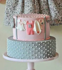 Very Sweet Baby Shower Cake! Pink and Gray Baby Shower Torta Baby Shower, Baby Shower Pasta, Unisex Baby Shower Cakes, Pretty Cakes, Cute Cakes, Beautiful Cakes, Amazing Cakes, Baby Cakes, Girl Cakes