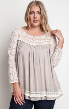 I absolutely love peasant tops. They are perfect for summer because they are light and loose. (Lace Peasant Top (Plus Size) ) Plus Size Dresses, Plus Size Outfits, Curvy Fashion, Plus Size Fashion, Plus Zise, Modelos Plus Size, Peasant Tops, Lace Sleeves, Plus Size Women