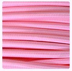Cable Eléctrico Textil Color Rosa #cabledecorativo #cable #colores #lamparas #original #iluminacion #iluminable #electricidad interiorismo #cretividad