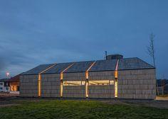 Con questa struttura in legno di nuova costruzione, la falegnameria ha realizzato un ampliamento di 200 m² agli edifici già esistenti della sua attività. Il piccolo fabbricato aziendale comprende un'officina e una sala espositiva. Materiale Trave BauBuche GL70 Committente Falegnameria Anton Mohr, Andelsbuch (AT) Architetto Andreas Mohr, Wien (AT) Progettazione merz kley partner ZT GmbH, …