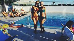 #sun #tanned #pool #model