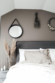 Susan Törnqvist – Interior By Susan Plywood Furniture, Modern Interior, Home Interior Design, Re Room, House Doctor, Modern Master Bedroom, Hans Wegner, Interior Garden, Lounge