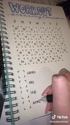Bullet Journal School, Bullet Journal Paper, Bullet Journal Workout, Bullet Journal Mood Tracker Ideas, Creating A Bullet Journal, Bullet Journal Lettering Ideas, Bullet Journal Notebook, Bullet Journal Aesthetic, Fitness Journal