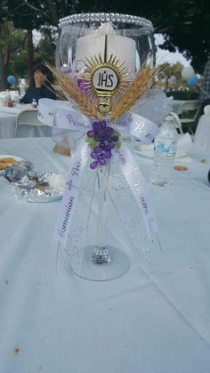 Resultado de imagen para gypsophila and wheat centerpieces first communion Decoration Communion, Communion Centerpieces, First Communion Decorations, Boys First Communion, First Communion Favors, First Communion Dresses, Baptism Party, Holidays And Events, Ideas Originales