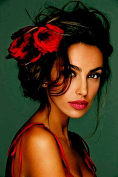 Flowers In The Hair Flamenco, Beautiful Eyes, Most Beautiful, Beautiful Women, Beautiful Pictures, Spanish Woman, Spanish Beauty Women, Coppola, Flowers In Hair