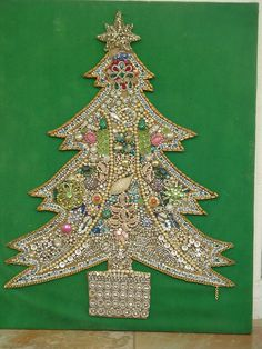 Vintage - Jewelry Christmas Tree [paper mache in shape of tree & decorate jewels] Jeweled Christmas Trees, Christmas Tree Art, Decoration Christmas, Christmas Jewelry, Vintage Christmas, Christmas Crafts, Xmas, Costume Jewelry Crafts, Vintage Jewelry Crafts