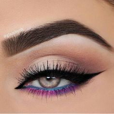 Love the pop of color in her bottom liner!