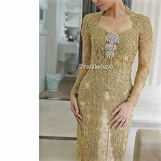"1,713 Likes, 37 Comments - Vera Anggraini (@verakebaya) on Instagram: ""Details... #kebaya #pengantin #resepsi #weddingdress #fashionwedding #weddingreception…"""