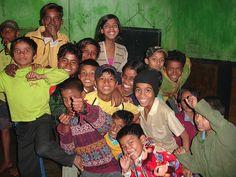 Schiavitù minorile, una generazione di bambini a rischio. Distretto a luci rosse di Calcutta, foto di The Emancipation Network su Flickr, licenza CC