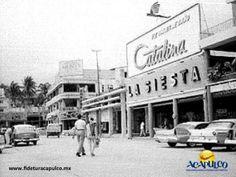 #acapulcoeneltiempo La antigua tienda de ropa La Siesta en Acapulco. ACAPULCO EN EL TIEMPO. Durante las décadas de los años 50 y 60, en el centro de Acapulco y a un lado de la calle que anteriormente rodeaba la plaza Álvarez, se encontraba una de las tiendas más famosas del puerto en ese entonces, La Siesta, la cual desapareció varios años después. Visita la página oficial de Fidetur Acapulco, para obtener más información.