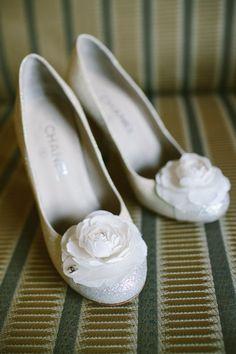 Alden Castle Wedding – Brookline, MA | Shane Godfrey Photography @LONGWOOD Venues + Destinations Jean Anderson Venues + Destinations #BridalShoes  #BridalHeels #BostonWeddingPhotography #BostonWeddingPhotographers #Bridal