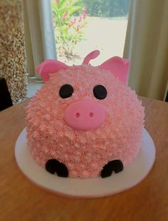 PasYou can find Character cakes and more on our website. Cute Cakes, Pretty Cakes, Piggy Cake, Aniversario Peppa Pig, Pig Birthday Cakes, Baby Birthday, Animal Cakes, Cupcake Cakes, Pig Cupcakes