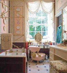 Glamour powder room:).