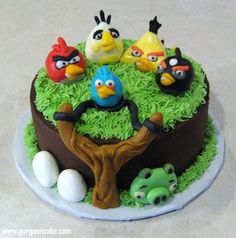 Chocolate Cake with Chocolate Frosting ~ Angry Birds & details are made out of fondant & cereal treats. Gâteau Angry Birds, Torta Angry Birds, Angry Birds Cupcakes, Birthday Cake 30, Angry Birds Birthday Cake, Bird Birthday Parties, Birthday Ideas, Fancy Cakes, Cute Cakes