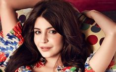 Bollywood diva Anushka Sharma spilled some beans on her casting for Sanjay Dutt's biopic, and revealed some very important news. Anushka Sharma Saree, Anushka Sharma Virat Kohli, Anushka Wallpapers, Glamour World, Photos 2016, Hd Photos, Indian Celebrities, Bollywood Actors, Model Pictures
