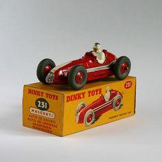 Dinky Toys 231 Maserati Racing Car front