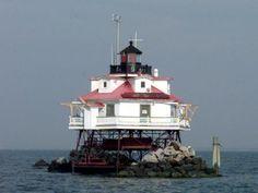 Google Image Result for http://www.chesapeake-bay.org/images/lights-buoys/thomas-point-lighthouse.jpg