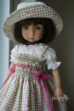 "Tiny Checks Smocked for Dianna Effner 13"" Linda Macario Connie Lowe by Pixxells | eBay"