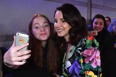 Lana with a fan at the 'MTV EMA 2017' red carpet, London (Nov. 12, 2017)