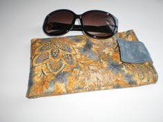 Hey, I found this really awesome Etsy listing at https://www.etsy.com/listing/285564259/large-sunglasses-padded-case-grey-tan