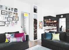Décor do dia: colorido pode! Uma alternativa para os fãs de tons vibrantes,   Com uma base em preto e branco, abusa das cores fortes em diversos pontos do décor.