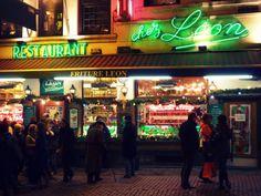 Chez LEON, waarschijnlijk de meest Brusselse frituur ter wereld! Bovendien krijgt elk kind tot 12 jaar, vergezeld van zijn ouders, een gratis kindermenu.