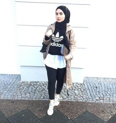 Sporty hijab with adidas sweatshirts – Just Trendy Girls Modest Dresses, Modest Outfits, Sport Outfits, Modest Clothing, Muslim Fashion, Hijab Fashion, Modest Fashion, Women's Fashion, Womens Fashion Online