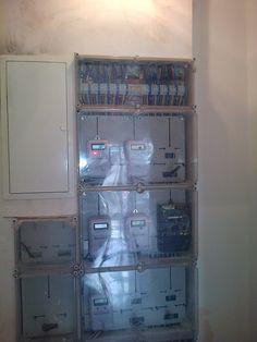 Montaje e Instalación de centralizaciones de contadores para actualización y renovación de instalaciones eléctricas en edificios y comunidades. http://teleservicesmultiservicios.com/electricista-en-malaga/