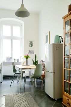 kleine zimmerrenovierung kuche blau design, 71 besten kleine räume bilder auf pinterest in 2018 | apartment, Innenarchitektur