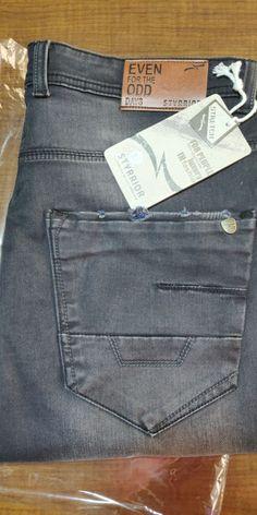 When you want to be classic in basic. Biker Jeans, Denim Jeans Men, Black Denim Shirt, Elastic Jeans, Gucci Jeans, Perfect Jeans, Denim Branding, Andorra, Denim Fashion