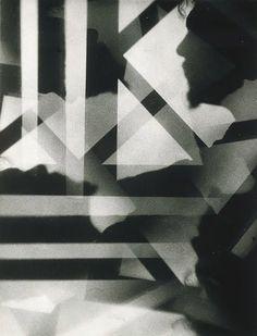 Vortograph of Ezra Pound, circa 1917 Photographer: Alvin Langdon Coburn A Level Photography, History Of Photography, Photography Projects, Abstract Photography, White Photography, Surrealism Photography, Film Photography, Harlem Renaissance, Camera Obscura