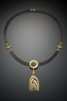 Pendant Jewelry, Jewelry Art, Gemstone Jewelry, Beaded Jewelry, Jewelry Necklaces, Jewelry Design, Beaded Necklace, Pendant Necklace, Contemporary Jewellery