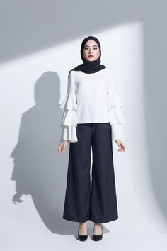 ZAFUL offers a wide selection of trendy fashion style women's clothing. Affordable prices on new tops, dresses, outerwear and more. Modest Work Outfits, Modest Pants, Modest Wear, Modest Dresses, Modest Clothing, Street Hijab Fashion, Work Fashion, Modest Fashion, Abaya Fashion