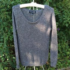 LISTING- Metallic Tunic Sweater Worn a few times with no stains but a few pulls as pictured due to the knit like fabric. Great with leggings and boots for cold Fall & Winter Days. Sz Med but can fit 6-12 nicely depending on how loose or tight you want it. Please ask all questions prior to purchase. Forever 21 Sweaters Crew & Scoop Necks