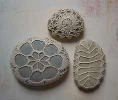 Crochet covered stones (only photo inspiration)