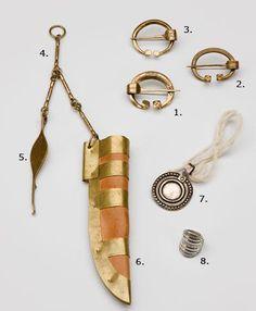Jewelry replicas for the Perniö dress, by Kalevala Koru