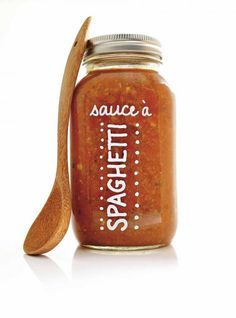 Recette de sauce à spaghetti de Ricardo Plum Tomatoes, Cherry Tomatoes, Pots, Pot Mason, Fennel Seeds, Spaghetti Sauce, Charcuterie, Cucumber, Food Processor Recipes