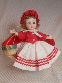 Madame Alexander Tagged Fuchsia Straw hat with Flowers  for 8-10/'/' Dolls,