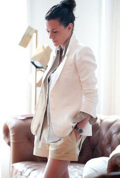 White blazer / casual spring look. Garance Doré. Fashion Photographyer, writer, illustrator, writer, editor. Photo by thecoveteur.com