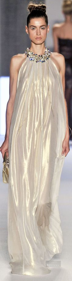 Aigner Collection Spring 2015 Ready to wear Runway Fashion, High Fashion, Womens Fashion, Fairytale Gown, Haute Couture Dresses, Beautiful Gowns, Beautiful Ladies, Glamour, Fashion Stylist