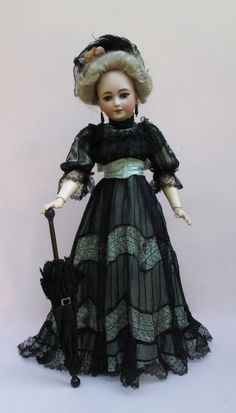 """Exceptional 26"""" S+H 1159 Lady Sewing Doll Clothes, Sewing Dolls, Doll Clothes Patterns, Old Dolls, Antique Dolls, Vintage Dolls, German Fashion, French Fashion, German Ladies"""