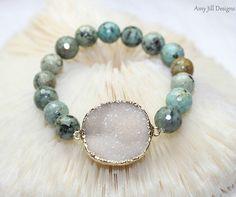 White Druzy Bracelet, Turquoise Beads, Drusy Quartz, Druzy Jewelry, Faceted Beads, Strech Bracelet, Drusy Gemstone Jewelry